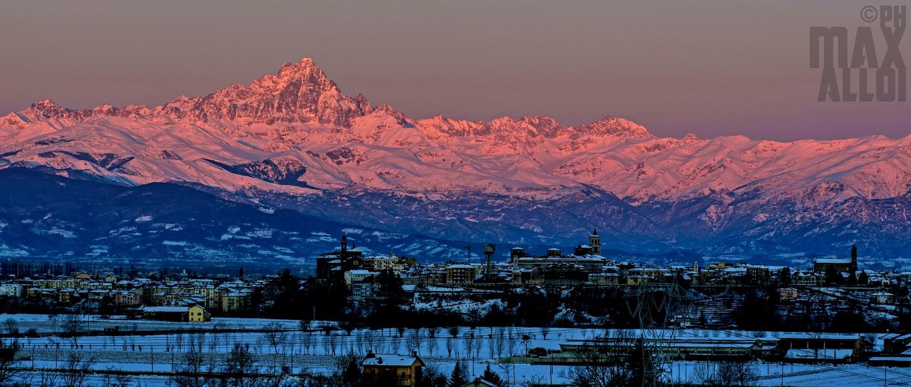 L'alba su Fossano e sul Monviso